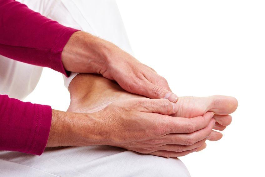 - 8903748m - Examine sus pies diariamente