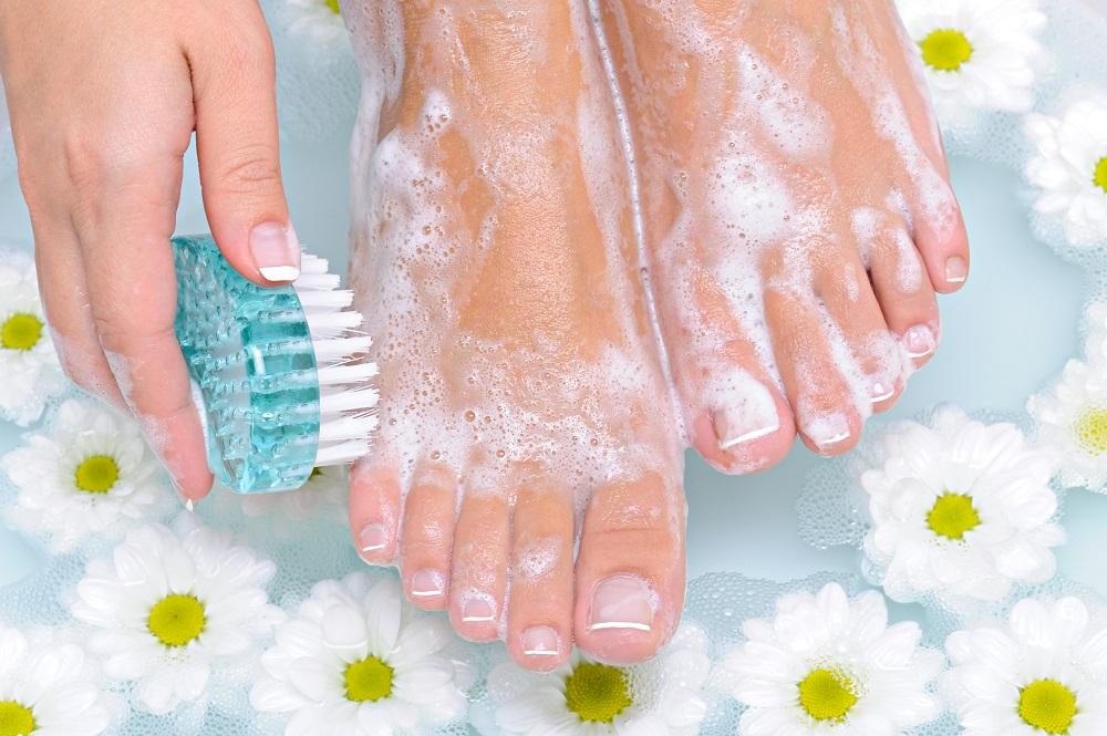- Exfoliation feet - Lave sus pies diariamente
